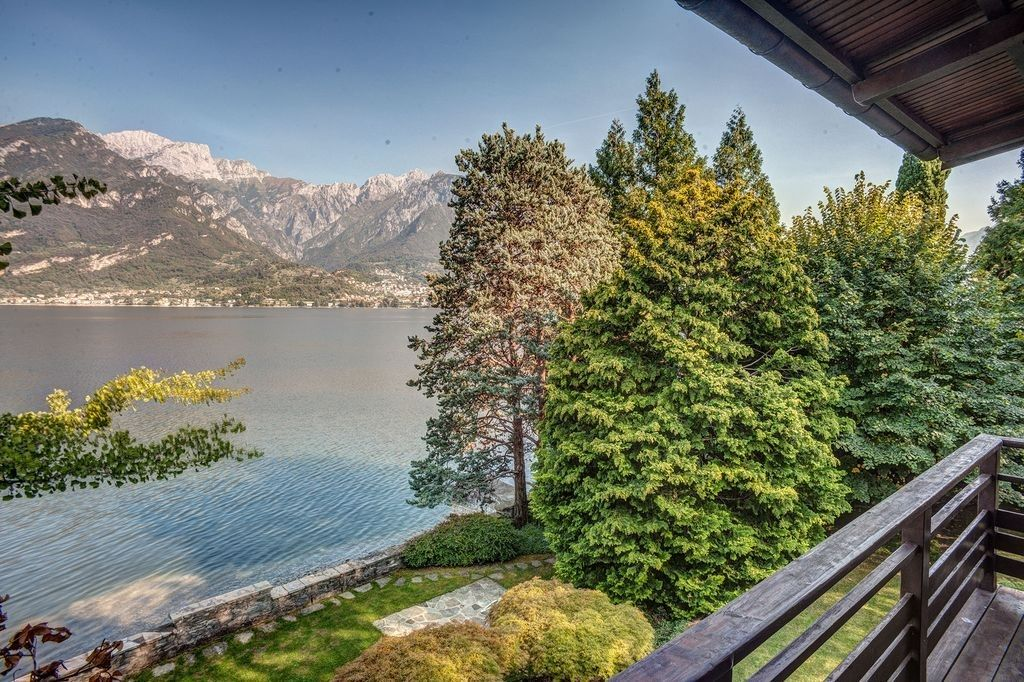 Вилла у озера Комо, Италия, 650 м2 - фото 1