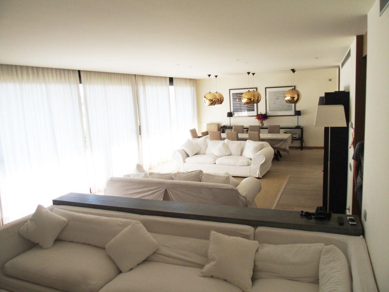 Квартира в Барселоне, Испания, 240 м2 - фото 1
