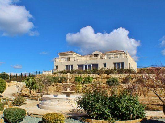 Поместье в Пафосе, Кипр, 320 м2 - фото 1
