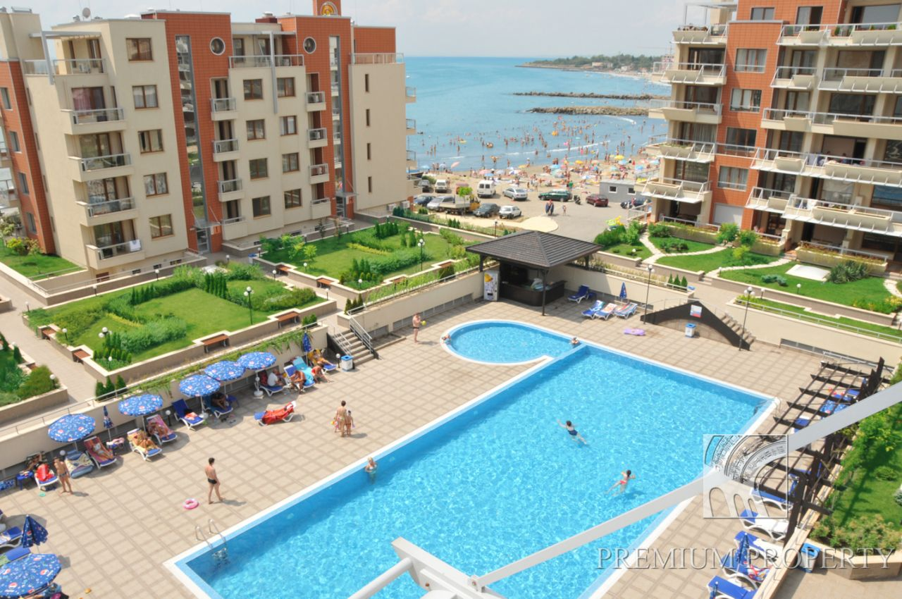 Апартаменты в Поморие, Болгария, 91.49 м2 - фото 1
