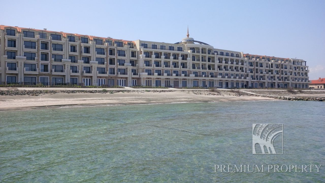 Апартаменты в Поморие, Болгария, 124.11 м2 - фото 1