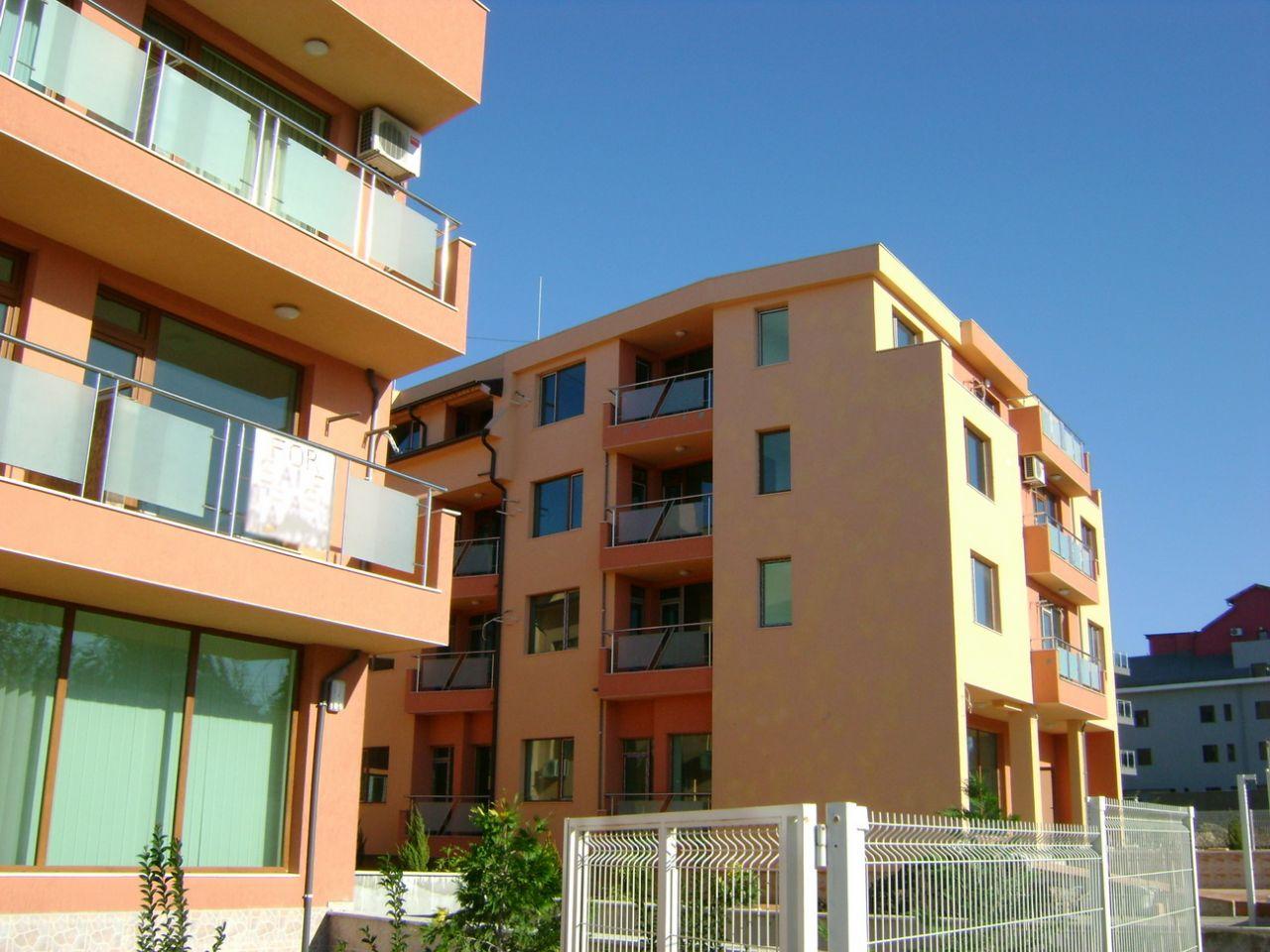 Апартаменты в Несебре, Болгария, 63.91 м2 - фото 1