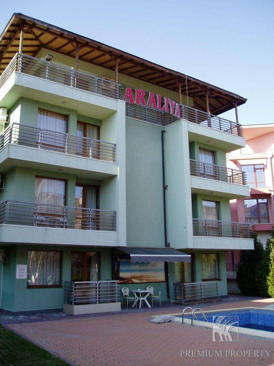 Апартаменты в Несебре, Болгария, 66 м2 - фото 1
