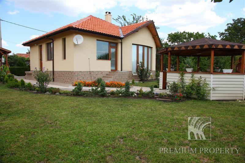 Апартаменты в Поморие, Болгария, 83 м2 - фото 1