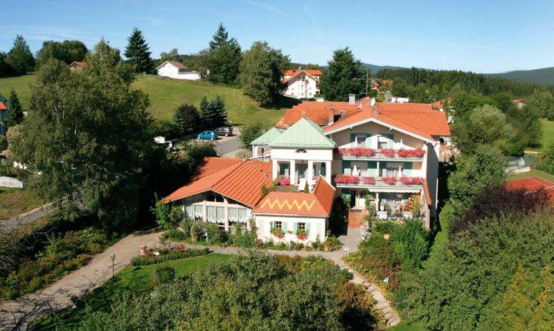 Коммерческая недвижимость Графенау, Германия, 876 м2 - фото 1