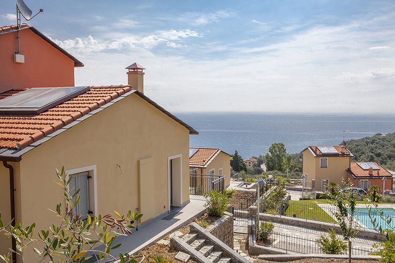 Cheap houses to buy in DianoMarina