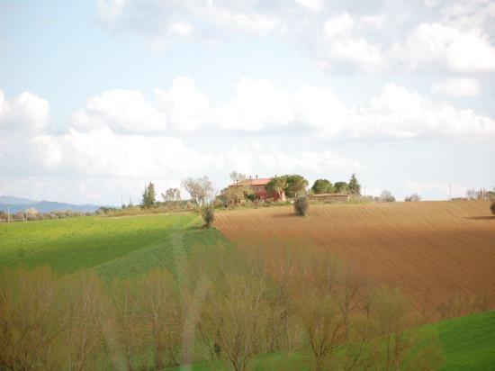 Коттедж в Умбрии, Италия, 305 м2 - фото 1