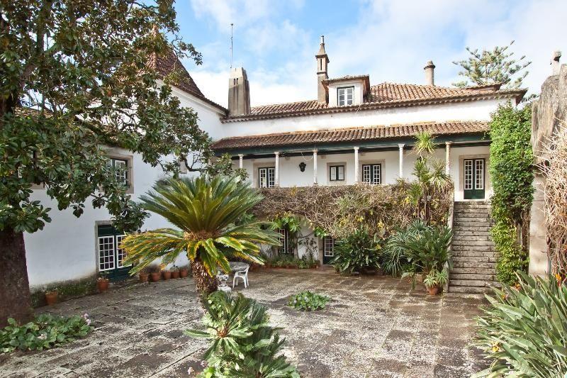 Поместье в Синтре, Португалия, 11600 м2 - фото 1