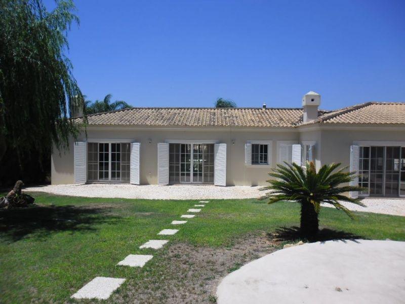 Вилла в Алгарве, Португалия, 1040 м2 - фото 1