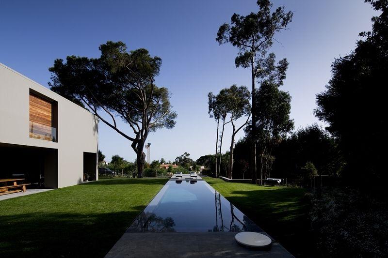 Вилла в Эшториле, Португалия, 2330 м2 - фото 1
