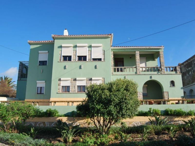 Дом в Синтре, Португалия, 7920 м2 - фото 1