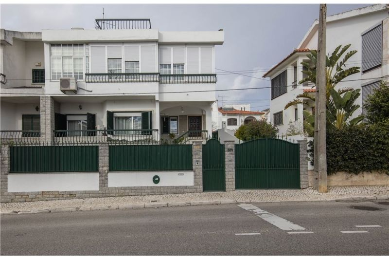 Дом в Каркавелуше, Португалия - фото 1