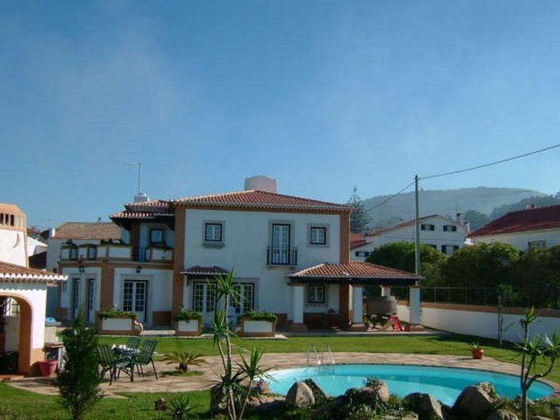 Вилла в Синтре, Португалия, 1600 м2 - фото 1