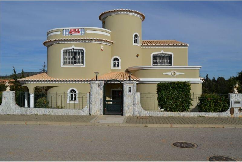 Вилла в Алгарве, Португалия, 510 м2 - фото 1