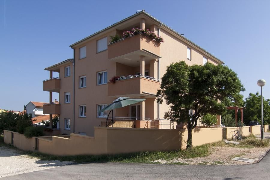 Апартаменты в Пуле, Хорватия, 89 м2 - фото 1