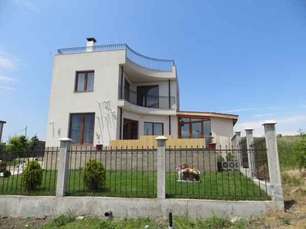 Дом в Бургасской области, Болгария, 401 м2 - фото 1