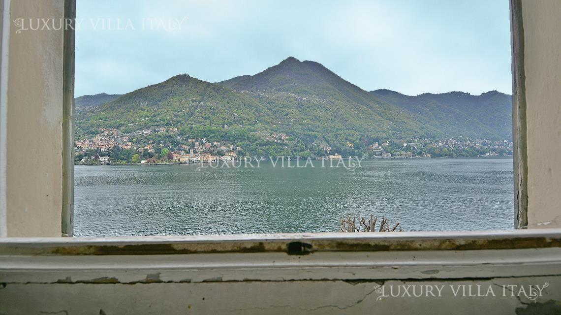 Дом у озера Комо, Италия, 650 м2 - фото 1