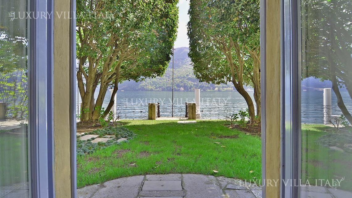 Дом у озера Комо, Италия - фото 1