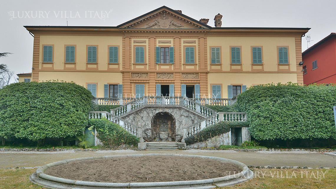 Дом у озера Комо, Италия, 40000 м2 - фото 1