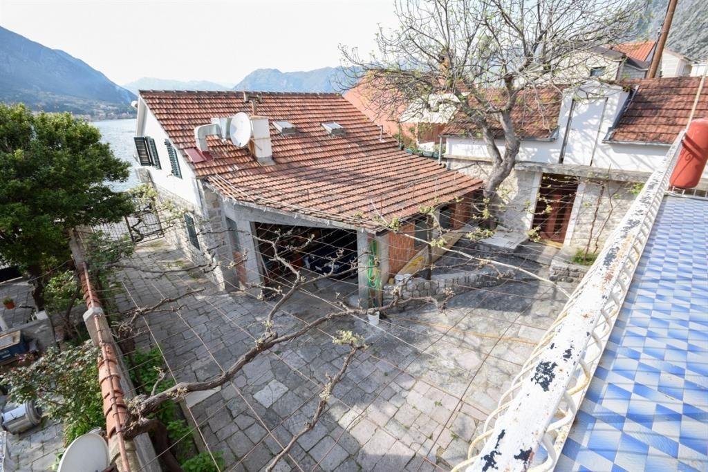 Дом в Доброте, Черногория - фото 1