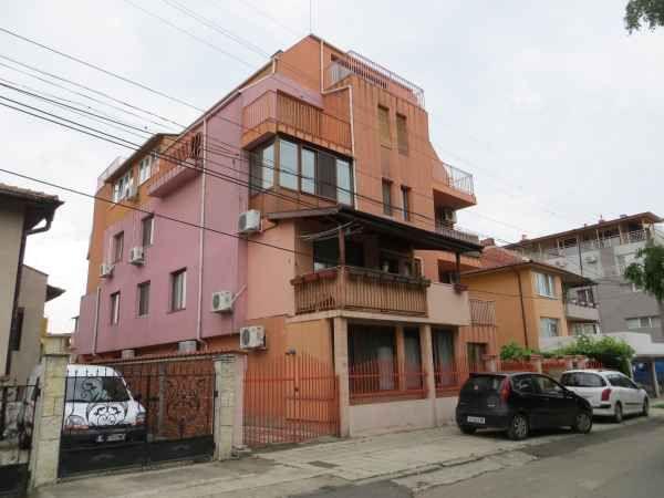 Квартира в Бургасе, Болгария, 45 м2 - фото 1