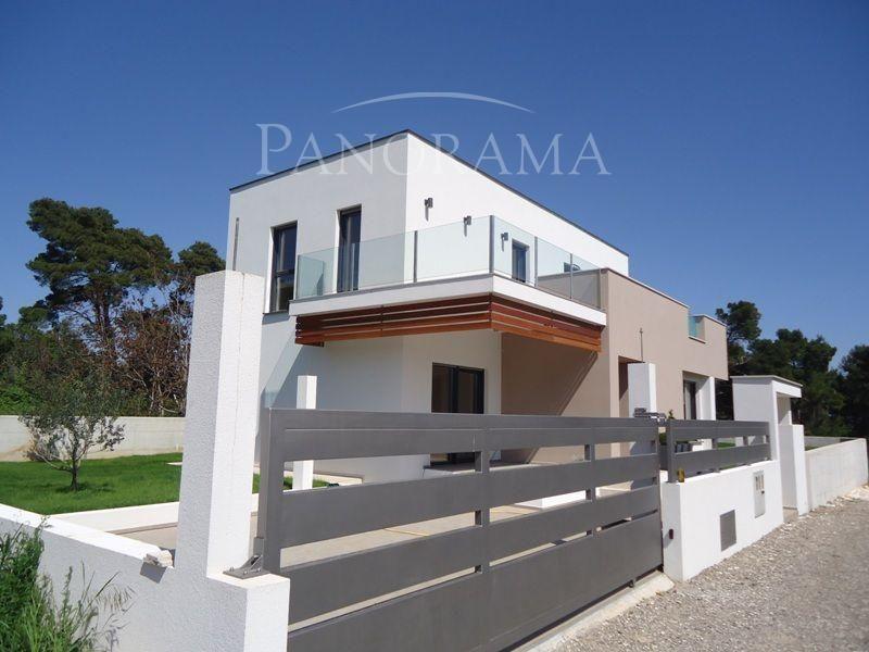 Дом в Медулине, Хорватия, 575 м2 - фото 1