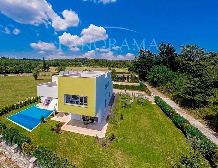 Дом в Жмини, Хорватия, 280 м2 - фото 1