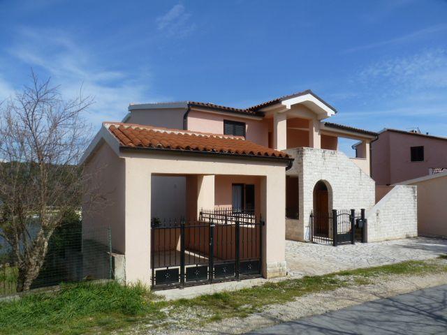 Дом в Пуле, Хорватия, 600 м2 - фото 1