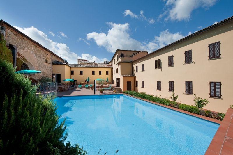 Отель, гостиница в Пизе, Италия, 2700 м2 - фото 1