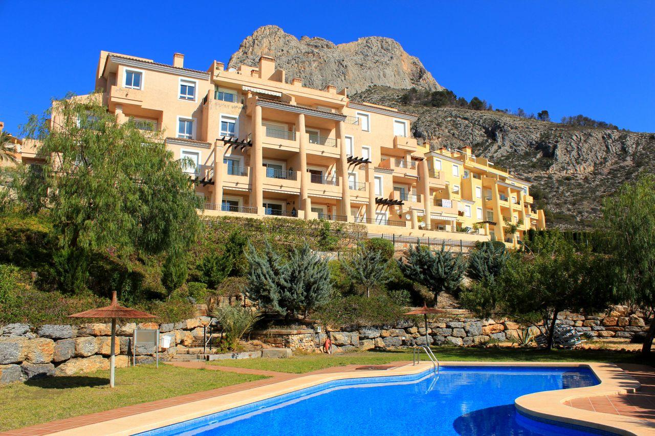 Апартаменты в Альтеа, Испания, 88 м2 - фото 1