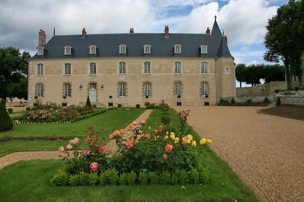 Замок в землях Луары, Франция, 1000 м2 - фото 1