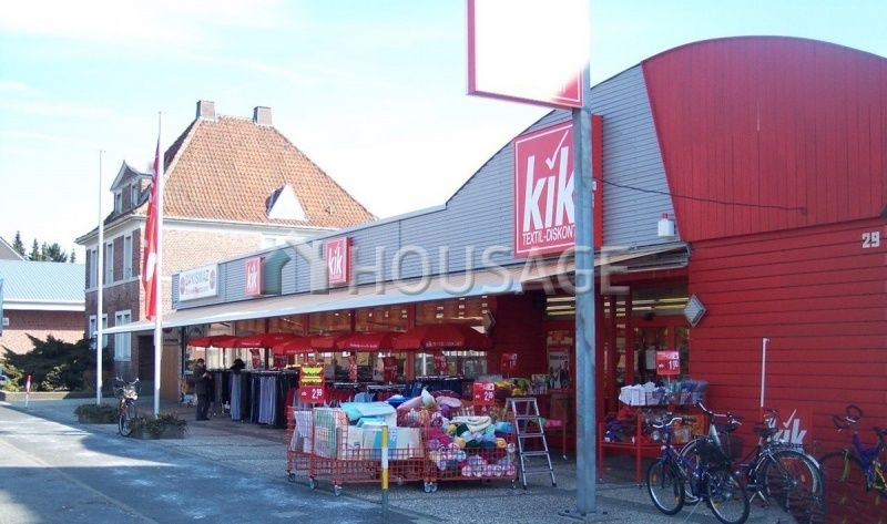 Магазин в Нижней Саксонии, Германия, 1630 м2 - фото 1