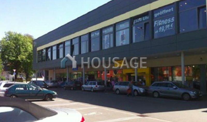 Магазин в Баден-Вюртемберге, Германия, 9253 м2 - фото 1