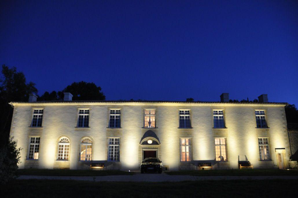 Замок в Жиронде, Франция, 1000 м2 - фото 1