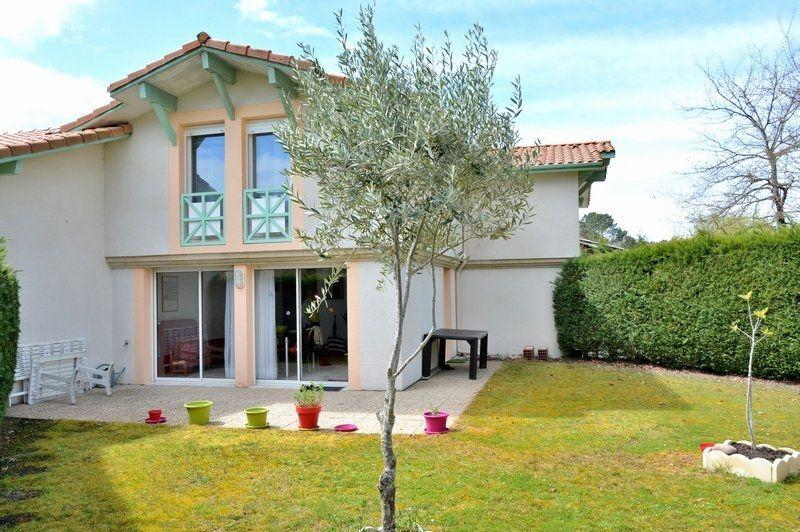 Дом в Аквитании, Франция, 100 м2 - фото 1
