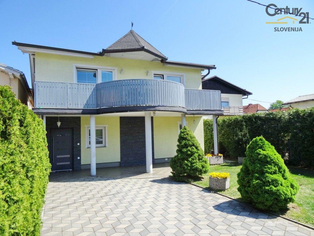 Дом в Мариборе, Словения, 352 м2 - фото 1