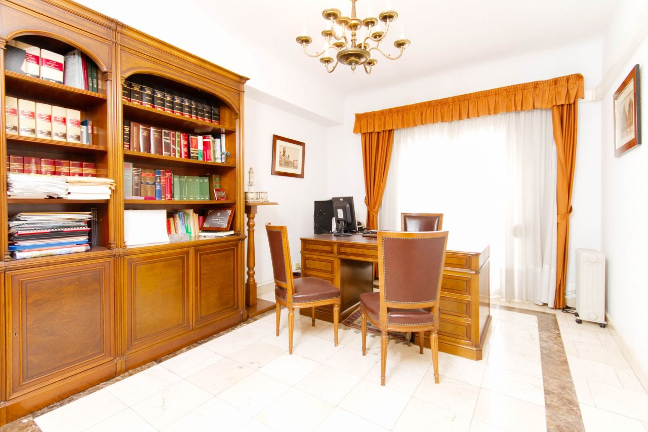 Апартаменты в Аликанте, Испания, 154 м2 - фото 1
