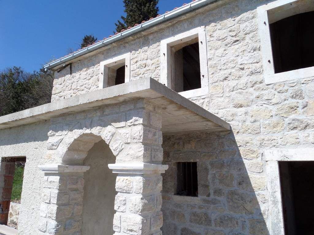 Вилла в Херцеге Нови, Черногория, 600 м2 - фото 1