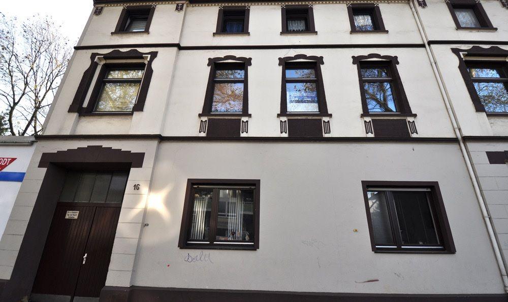 Доходный дом в земле Северный Рейн-Вестфалия, Германия, 380 м2 - фото 1