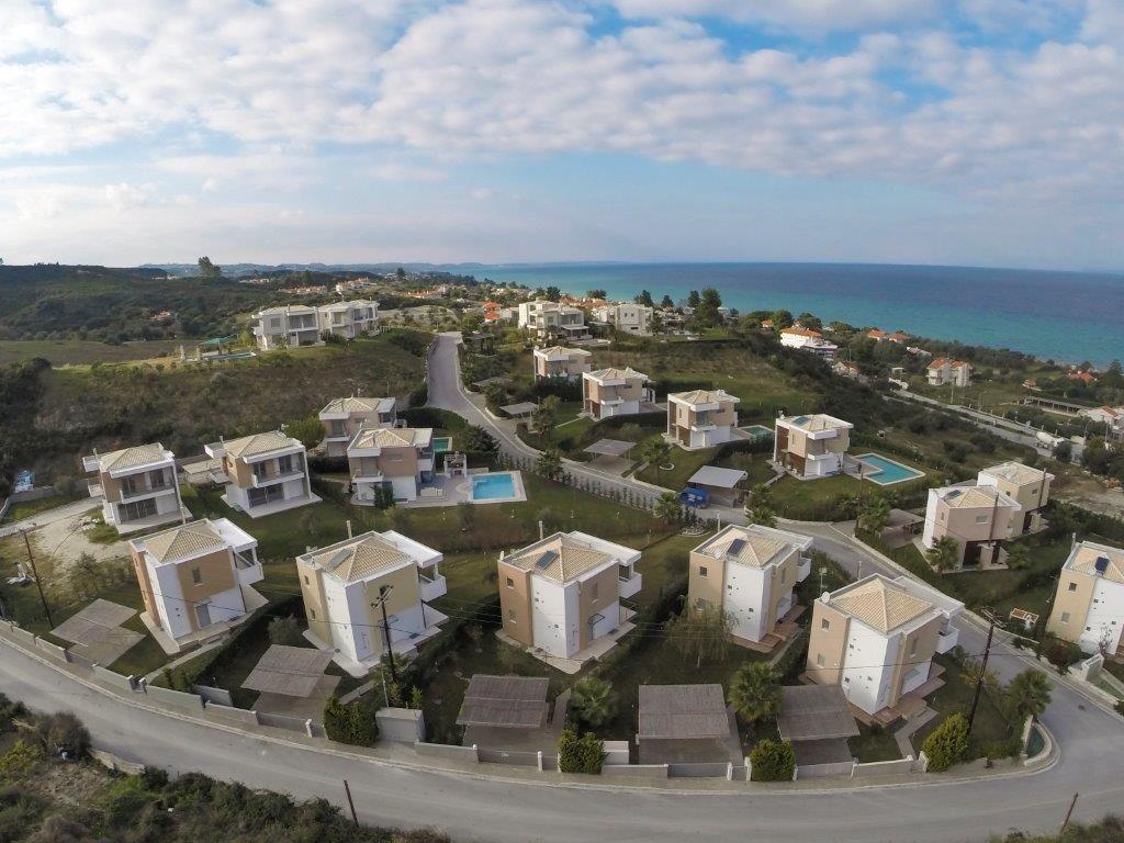 Коттедж в Халкидики, Греция, 1095 м2 - фото 1