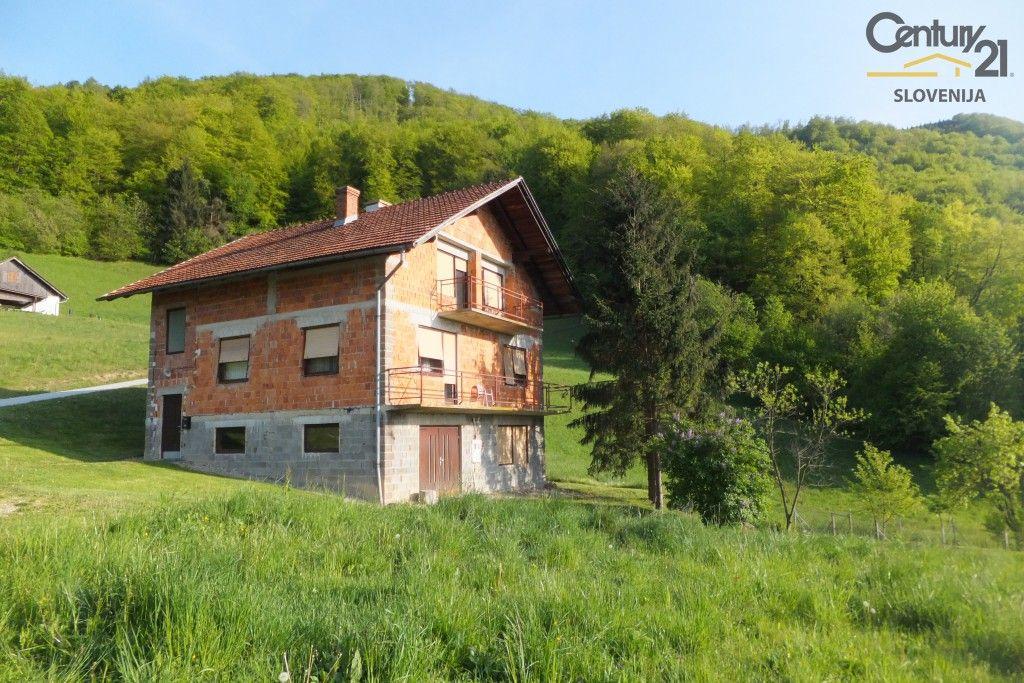 Ферма в Подчетртеке, Словения, 240 м2 - фото 1