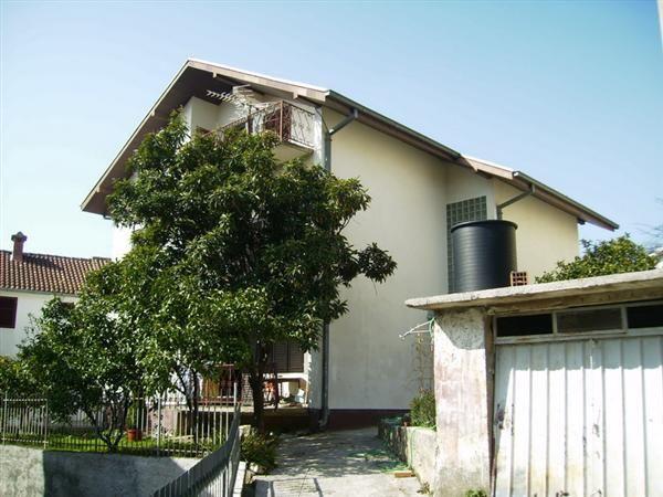 Дом в Тивате, Черногория, 404 м2 - фото 1