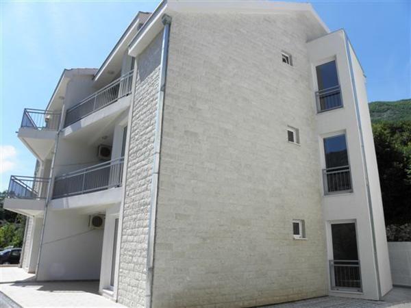 Квартира в Прчани, Черногория, 50 м2 - фото 1