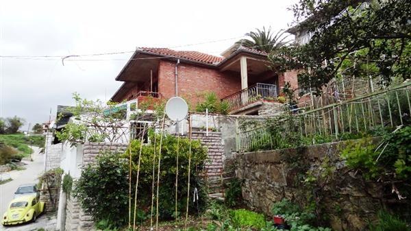 Дом в Херцеге Нови, Черногория, 300 м2 - фото 1
