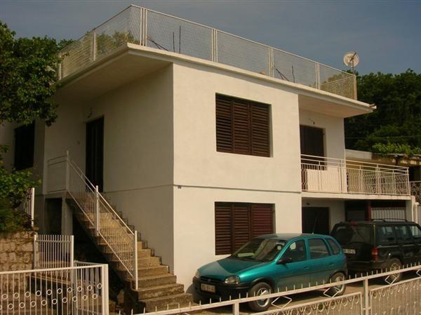 Дом в Сутоморе, Черногория, 200 м2 - фото 1