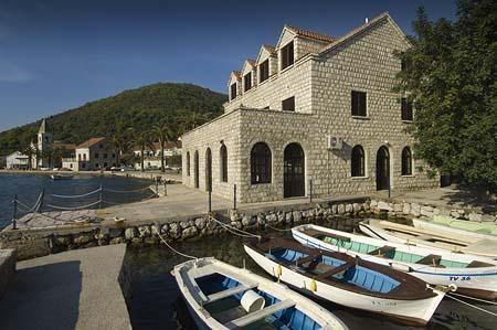 Отель, гостиница в Тивате, Черногория, 393 м2 - фото 1