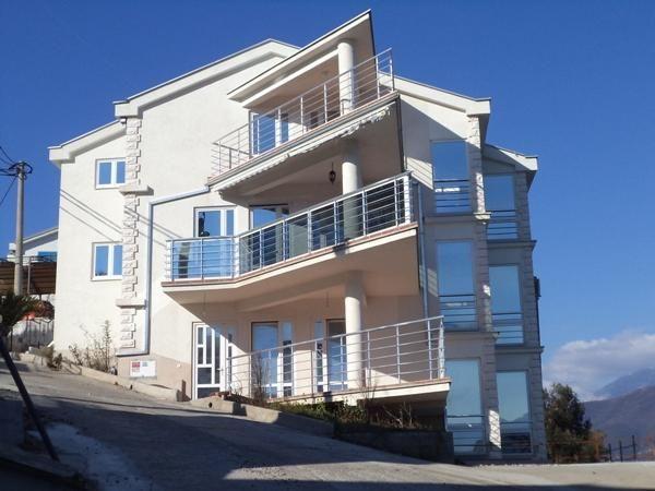 Квартира в Крашичах, Черногория, 50 м2 - фото 1
