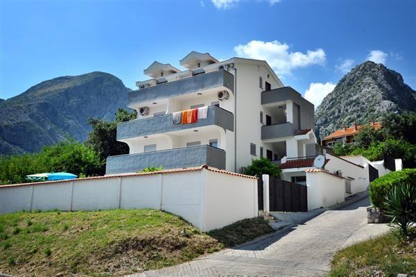 Отель, гостиница в Ораховаце, Черногория, 560 м2 - фото 1