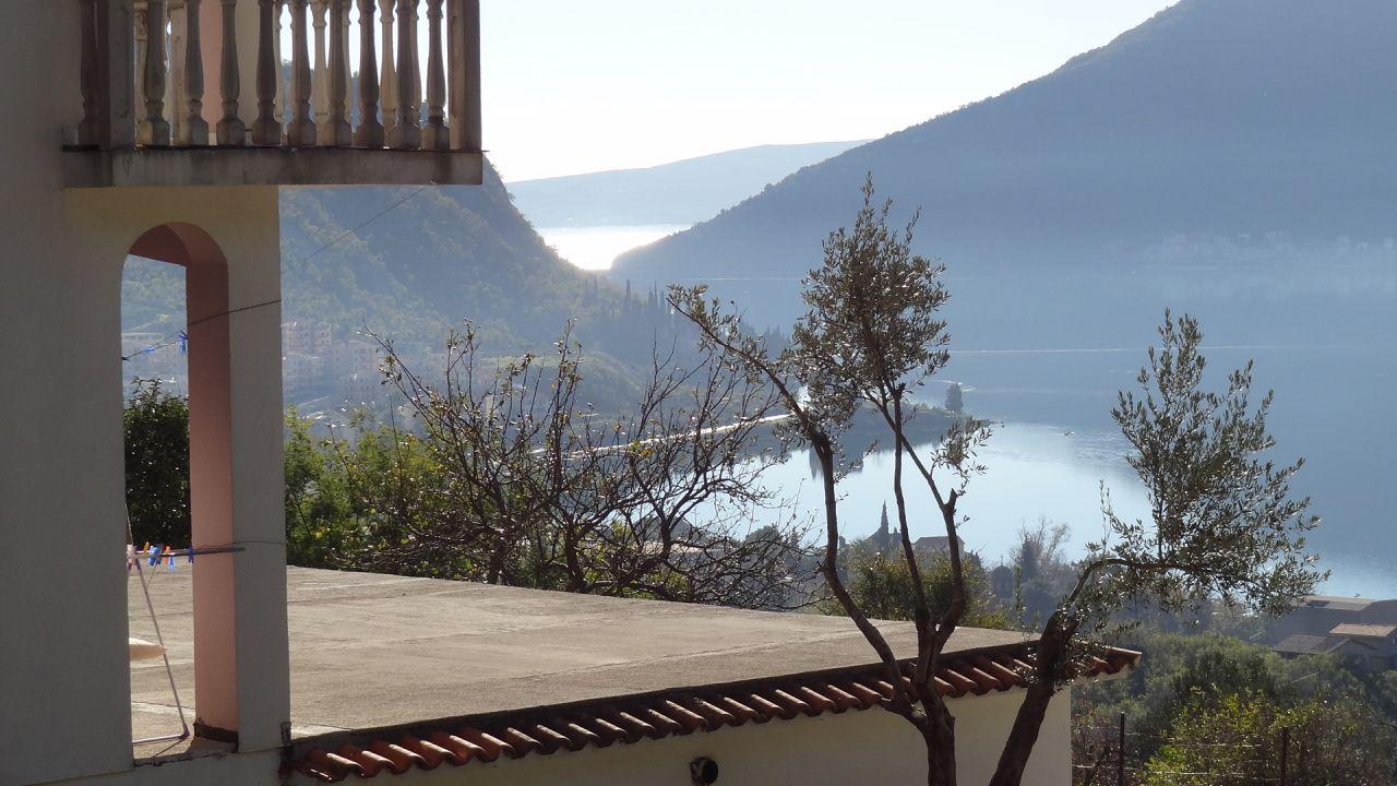 Дом в Рисане, Черногория, 260 м2 - фото 1
