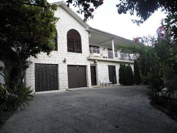 Дом на полуострове Луштица, Черногория, 728 м2 - фото 1